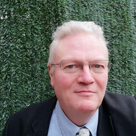 Jean-Pierre : Chef de projets - Coordinateur