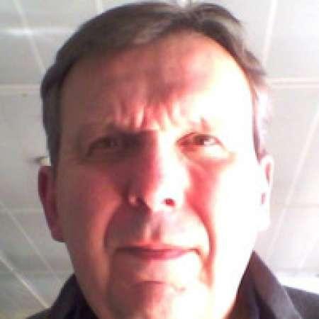 Thierry : Manager de projets d'infrastructure                      Architecte technique généraliste